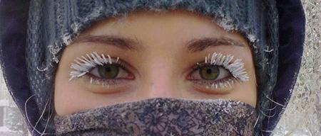 cejas congeladas por el vapor de agua