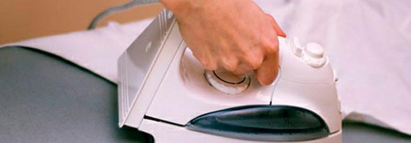 por que planchar alisa la ropa