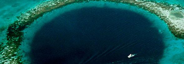 Gran agujero azul en Belice