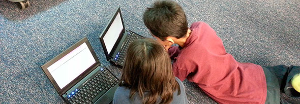 los niños aprenden antes a manejar la tecnología que salir a jugar a la calle.